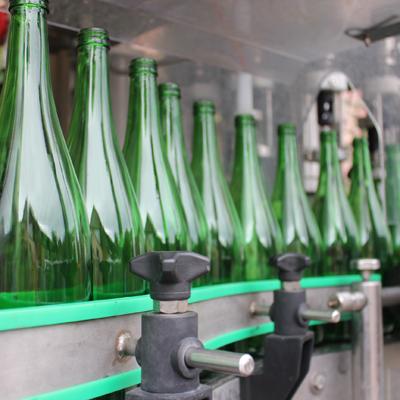 Weinflasche-Befüllung
