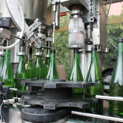 Weinflaschen-Etikettierung